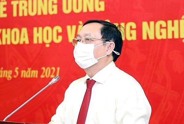 Bộ trưởng Huỳnh Thành Đạt phát biểu tại lễ ký kết. Ảnh: AT.