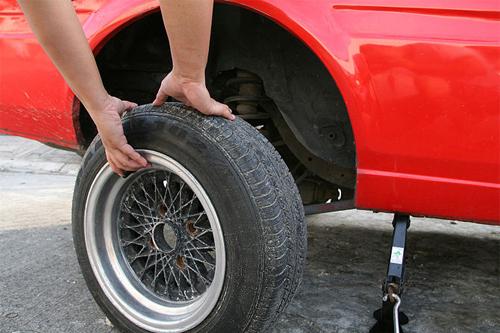 không bảo dưỡng lốp xe