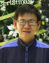 ky-su-nong-dan-va-chiec-may-bien-rom-thanh-tien
