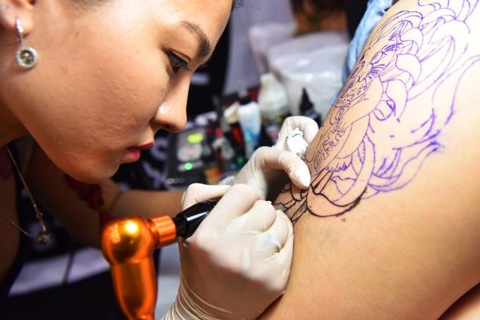 """<p class=""""Normal""""> Giải thưởng Nữ hoàng xăm mình (Queen of Tatoo) trị giá 50 triệu đồng sẽ được trao cho người sở hữu hình xăm ấn tượng nhất.</p>"""