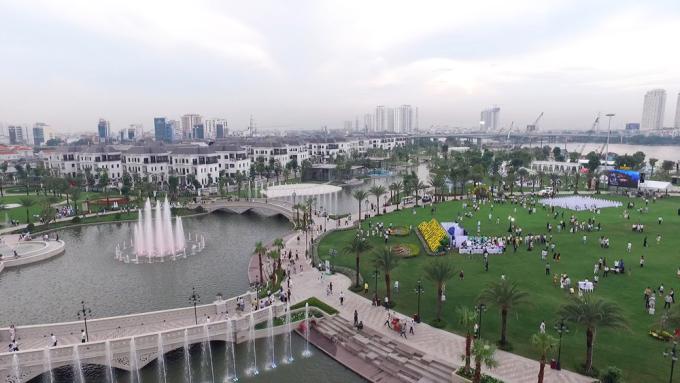 """<p class=""""Normal""""> Đại diện chủ đầu tư cho biết công viên được xây dựng nhằm tạo lá phổi xanh giữa lòng thành phố, mở ra không gian công cộng đáp ứng nhu cầu vui chơi, thư giãn của người dân.</p>"""