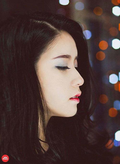 """<p class=""""Normal""""> <span>Nguyễn Kim Chi cũng là sinh viên đầu tiên của Cambridge School of Visual & Performing Arts được nhận học bổng 50% (khoảng một tỷ đồng) trong 3 năm. Những năm trước, trường chỉ trao học bổng 40%.</span></p>"""