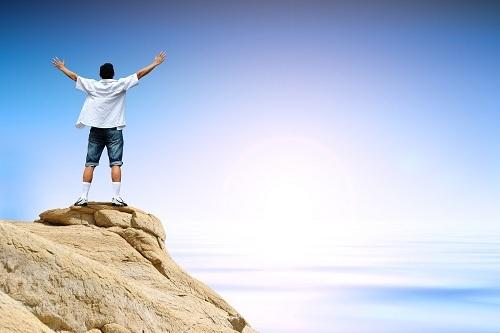 Sự khác biệt giữa 'triumph' và 'victory'