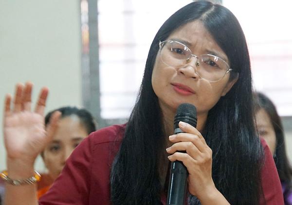 Cô Nguyễn Thị Hòa phát biểu. Ảnh: Mạnh Tùng.
