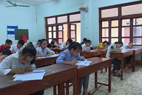Thí sinh thi vào lớp 10 ở Quảng Bình. Ảnh: Quang Hà