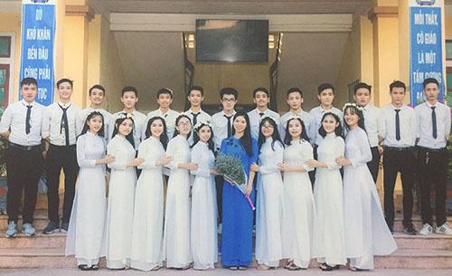 Lớp 12A8 trường THPT Nguyễn Đình Liễn. Ảnh: Trọng Diệu