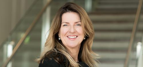 Bà Monica Kennedy – Phó hiệu trưởng Đại học Công nghệ Swinburne (Australia).