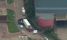 Phát hiện 39 thi thể trong xe tải