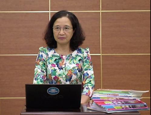 PGS.TS Hồ Cẩm Hà, thuộc thuộc Ban phát triển chương trình môn Tin học năm 2018.