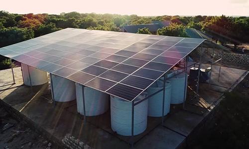 Kenya dùng điện mặt trời biến nước biển thành nước ngọt