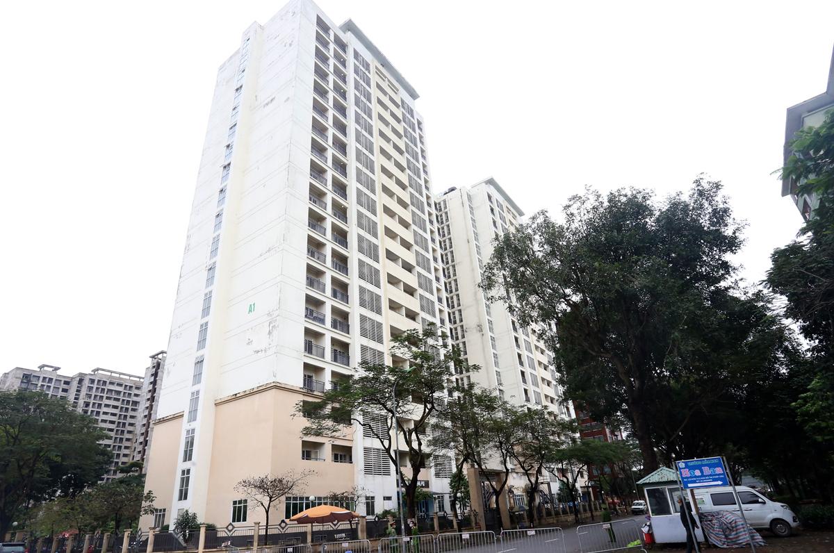 Toà nhà A1 ký túc xá sinh viên cao 19 tầng. Ảnh: Bá Đô
