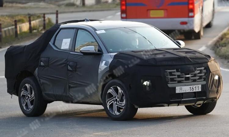 Xe bán tải của Hyundai chạy thử ở Hàn Quốc trong tháng 3. Ảnh: Auto Post Korea