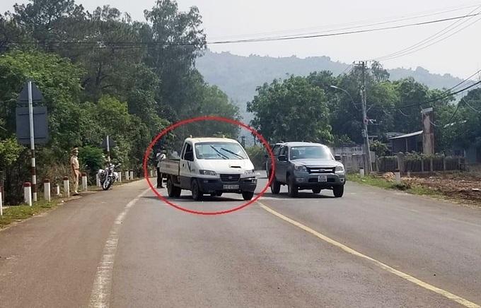 Thanh niên cướp xe, đánh cảnh sát bị khởi tố