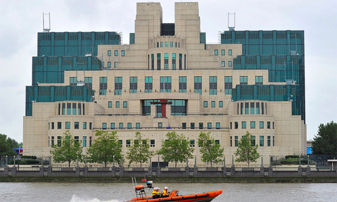 Trụ sở Cục tình báo mật (MI6) tại London, Anh. Ảnh: Reuters.