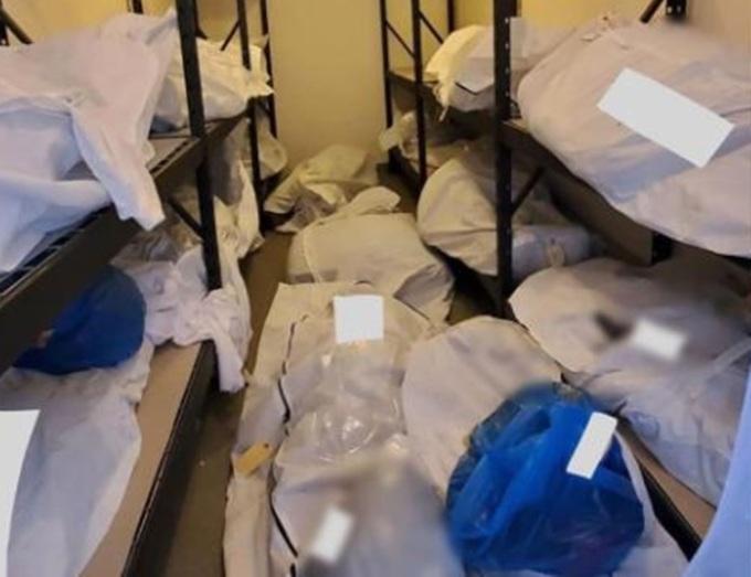 Các thi thể tại một phòng lạnh của bệnh việnSinai-Grace, thành phố Detroit đầu tháng này. Ảnh: CNN.
