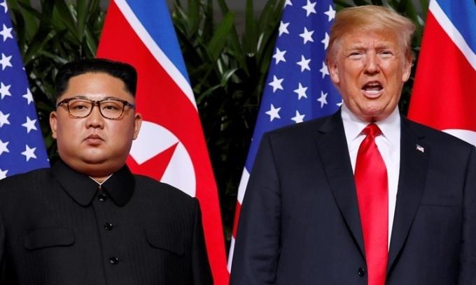 Tổng thống Mỹ Donald Trump và lãnh đạo Triều Tiên Kim Jong-un tại hội nghị thượng đỉnh ở Singapore hồi tháng 6/2018. Ảnh: Reuters.