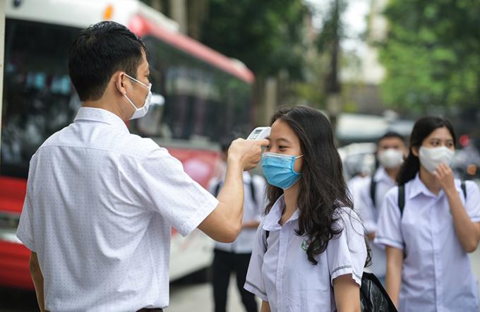 Học sinh Thanh Hóa trở lại trường