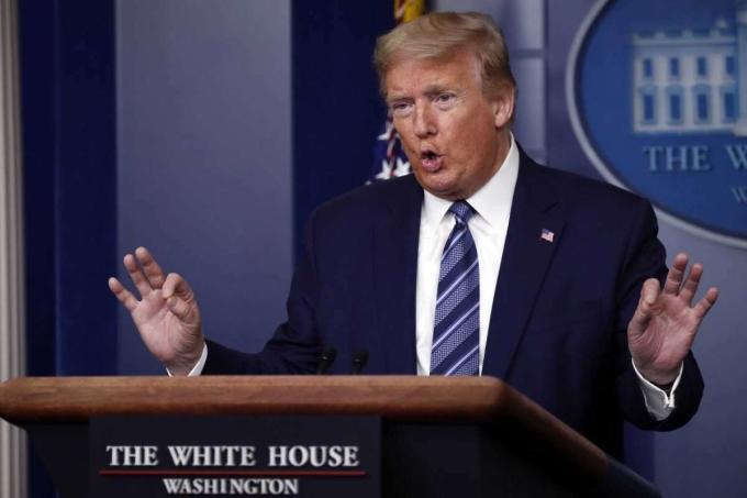 Tổng thống Donald Trump tại cuộc họp báo ở Nhà Trắng hôm 21/4. Ảnh: AP