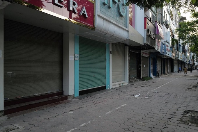 Hà Nội dự kiến cấm cửa hàng không thiết yếu mở cửa trước 9h