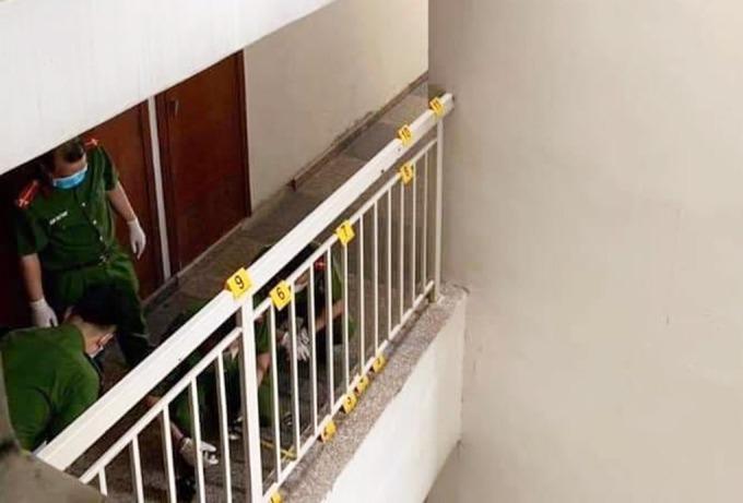 Cảnh sát rà soát hiện trường TS Bùi Quang Tín rơi lầu