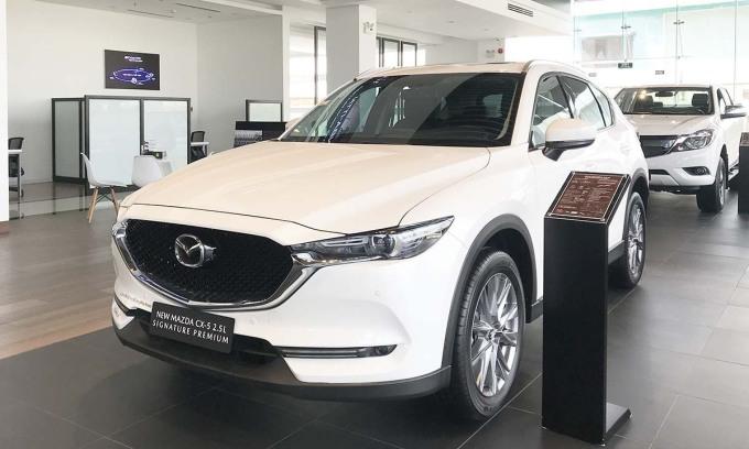 Xe Mazda đang giảm giá hàng chục tới cả trăm triệu. Ảnh: Thành Nhạn