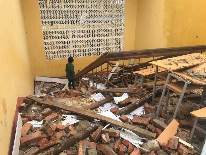 Trường THCS Tân Cương, TP. Thái Nguyên bị hư hại do mưa giông. Ảnh: Kiều Hoa