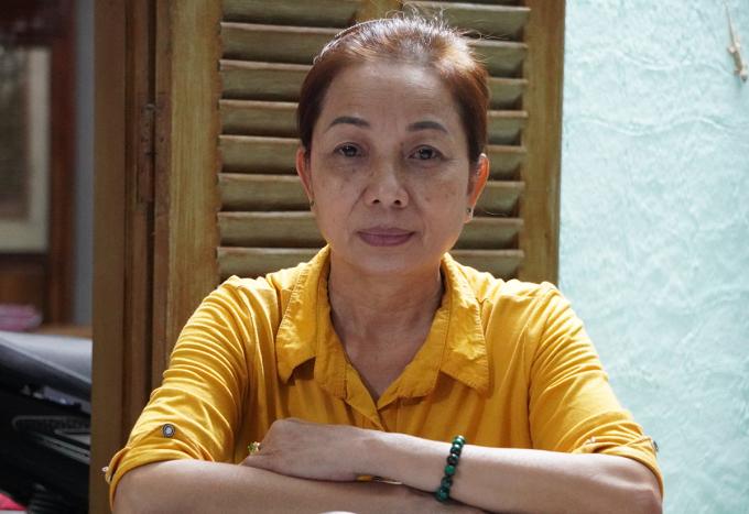 Bà Nguyễn Thị Loan thời điểm nhận quyết định kháng nghị vụ án của Viện Kiểm sát nhân dân tối cao, tháng 11 năm ngoái. Ảnh: Hoàng Nam