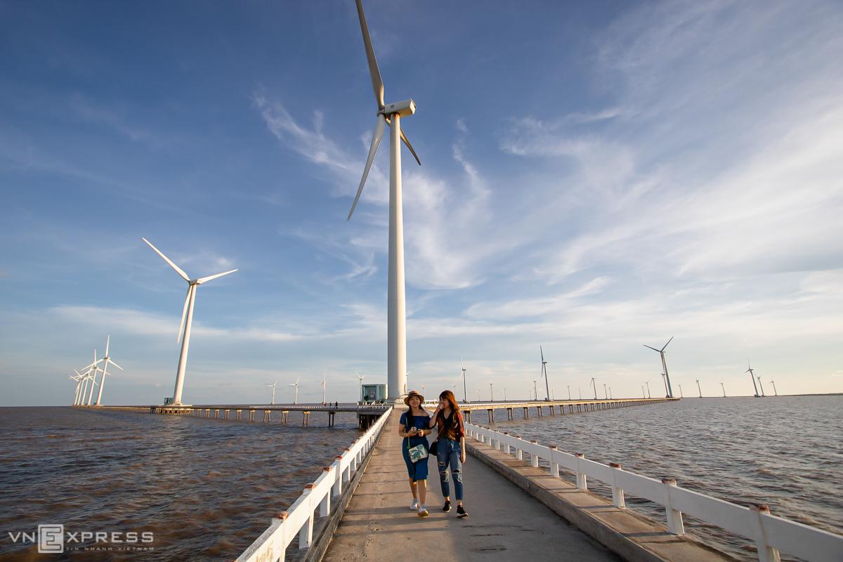 Cánh đồng điện gió lớn nhất Việt Nam