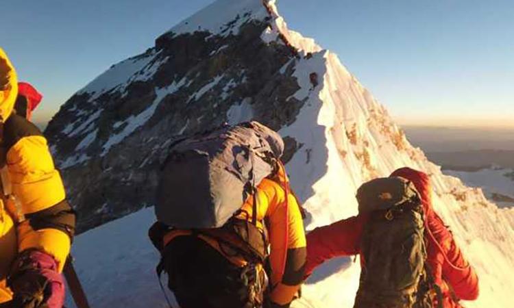 Nepal phẫn nộ với Trung Quốc vì đỉnh Everest - VnExpress