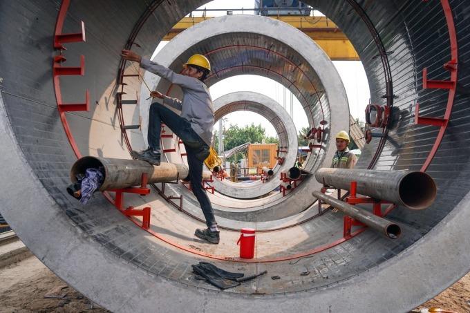 Thi công tuyến cống ngầm lớn nhất TP HCM - một trong các hạng mục thuộc dự ánVệ sinh môi trường TP HCM giai đoạn 2. Ảnh: Quỳnh Trần.