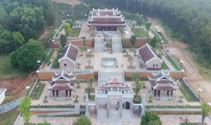 Toàn cảnh đền Chung Sơn. Ảnh: CTV.
