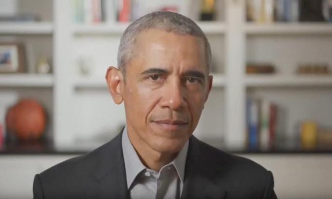 Obama phát biểu trong lễ tốt nghiệp từ xa của HBCU hôm 16/5. Ảnh: CNN.