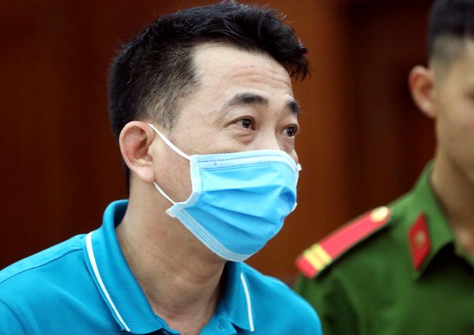 Cựu Chủ tịch VN Pharma Nguyễn Minh Hùng tại tòa hôm nay. Ảnh: Hữu Khoa.