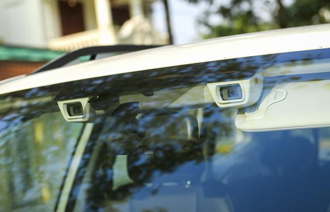 Camera quan sát trên kính lái của Subaru Forester.