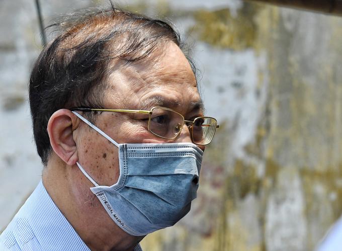 Đô đốc Nguyễn Văn Hiến nhận