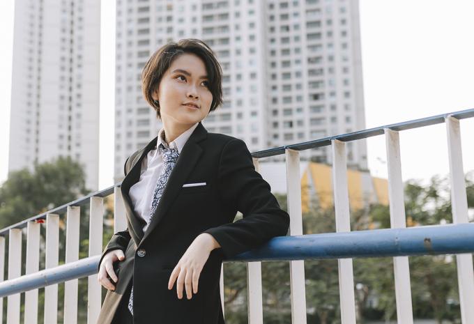 Nguyễn Hải Ly trong buổi chụp ảnh kỷ yếu tại trường. Ảnh: Nhân vật cung cấp.
