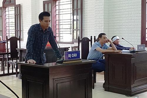 8 năm tù cho tài xế taxi kéo lê cụ ông 1,5 km