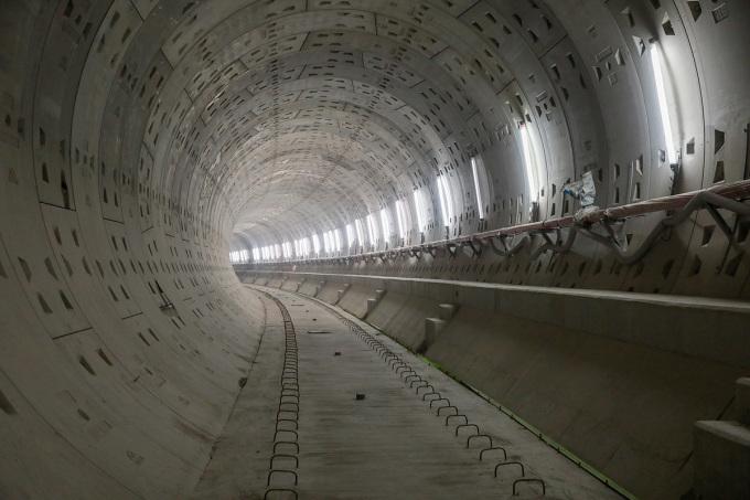 Đoạn đi ngầm tuyến Metro Số 1 dưới Nhà hát thành phố đang được hoàn thiện. Ảnh: Quỳnh Trần