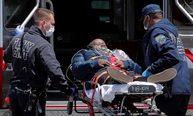 Gần 95.000 người chết vì nCoV ở Mỹ