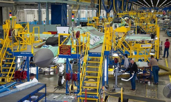 Chương trình siêu tiêm kích F-35 hứng đòn Covid-19