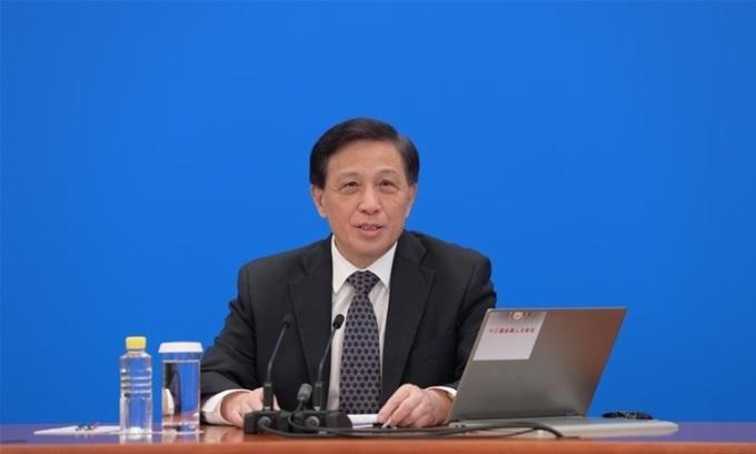 Phát ngôn viên quốc hội Trung Quốc Trương Nghiệp Toại chủ trì cuộc họp báo ở Bắc Kinh hôm nay. Ảnh; Xinhua.