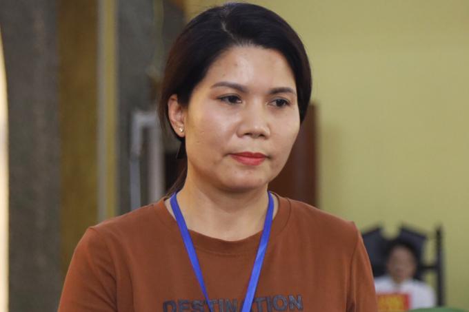Phụ huynh Nguyễn Thị Thuỷ. Ảnh: Phạm Dự.