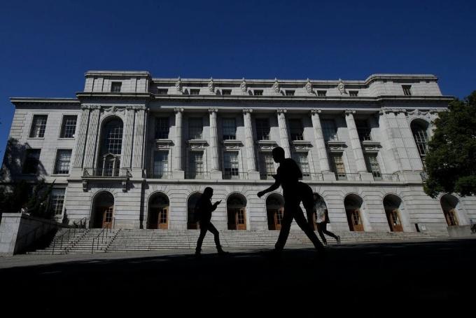 Đại học Mỹ bỏ điểm SAT, ACT trong tuyển sinh