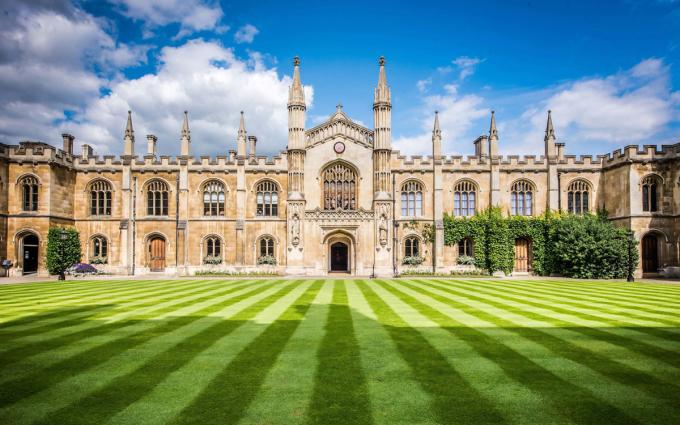 Đại học Cambridge đóng cửa đến mùa hè 2021