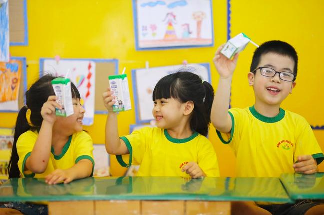 Hơn 1 triệu trẻ em Hà Nội uống sữa học đường