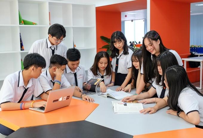Học sinh THPT FPT Cần Thơ học kiến thức và kỹ năng trong chương trình.