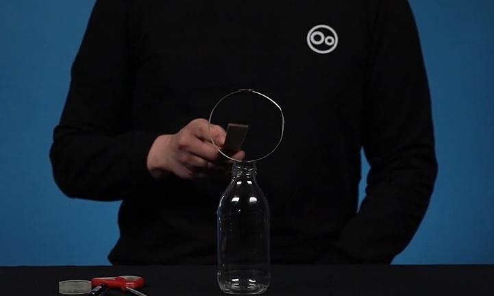 Đồng xu trong chai