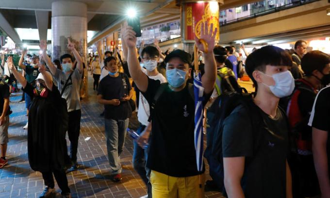 Rủi ro Trung Quốc đối mặt khi ra luật an ninh Hong Kong