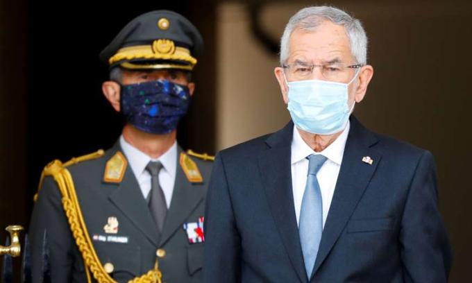 Tổng thống Áo vi phạm lệnh phong tỏa
