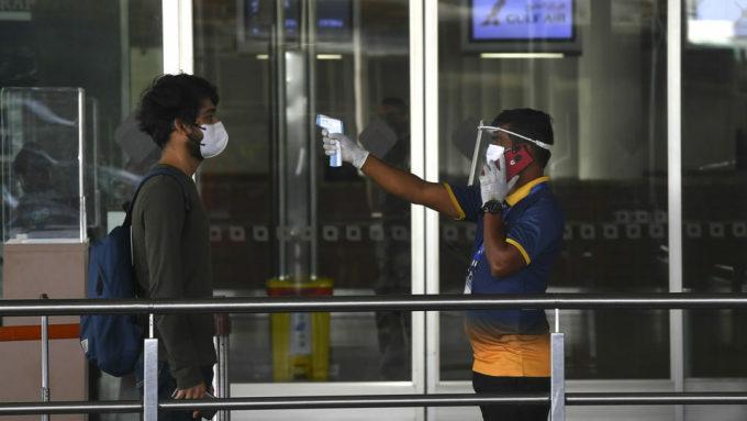 Hỗn loạn khi Ấn Độ mở lại sân bay